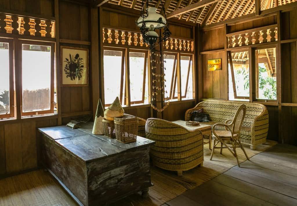 4) Baileo - Rumah Maluku