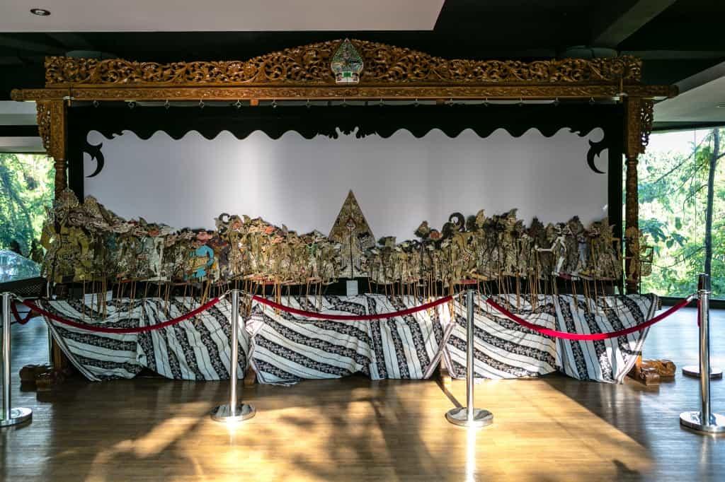 9) Koleksi Wayang Pakubuwono X dari Surakarta