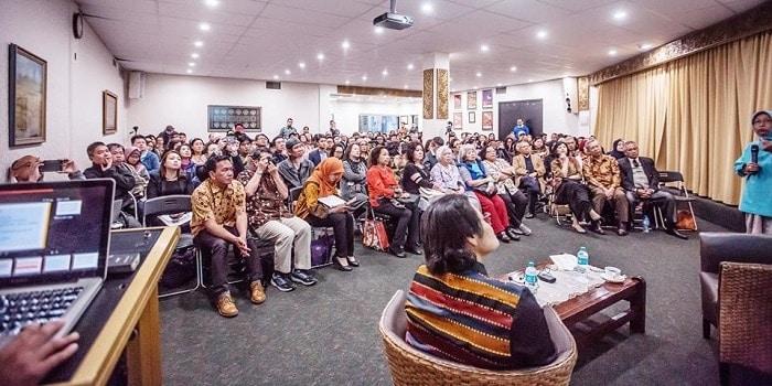 Anda Orang Indonesia dan Tinggal di Luar Negeri? Baca Ini, deh!