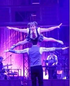 Circus Oz's Precarious, Sebuah Kehebohan di Ministry of Nature
