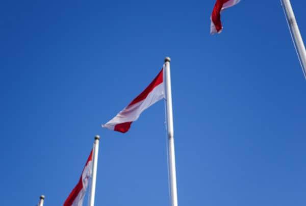 Bendera Merah Putih Berkibar di Langit Australia
