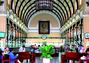 Saigon-Central-Post-Office-in-Ho-Chi-Minh-City-copy