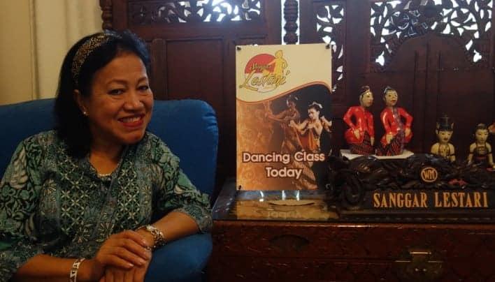 BANGGA AKAN BUDAYA DAN BAHASA NEGERI SENDIRI:PROUD OF OUR OWN CULTURE AND LANGUAGE